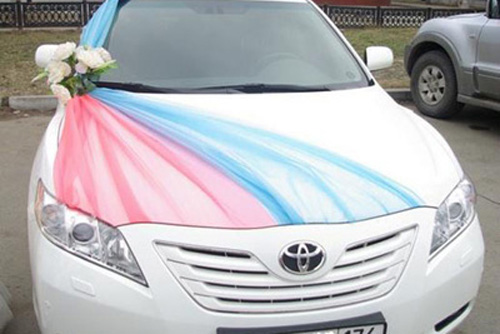 Свадебные украшения на машину своими руками. Как украсить 62