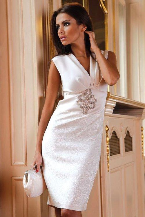 Коллекция: коктейльные платья; Модель: Pretty women; Размер: 42, 44, 46, 48; Описание: атласное платье с декором стразами; Цвет: белый, черный, красный