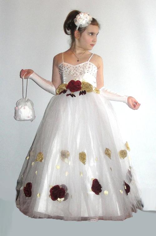 Коллекция: Детские платья; Модель: Бальное платье арт.38127; Размер: 42; Описание: На поясе украшено бантом с брошью, драпированная объемная юбка