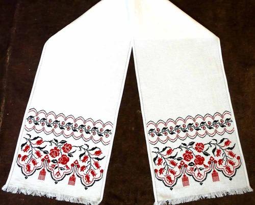 20 апреля 2011, 09:33.  Рушник на свадьбу - это традиционный элемент важного события в жизни пары.