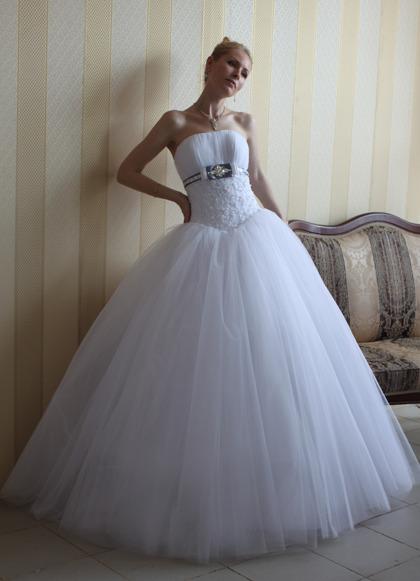 Фото самых пышных свадебных платьев.  Вечерние платья для пышных дам.